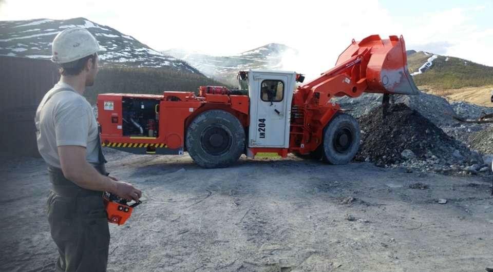 Sandvik Mining. Первые LH 204 доставлены в Россию