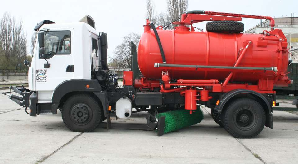КрАЗ-5401 на коммунальных работах