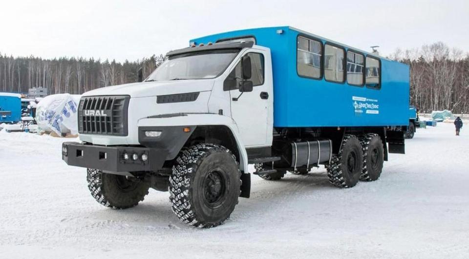 «УралСпецТранс»: вахтовка с нюансами