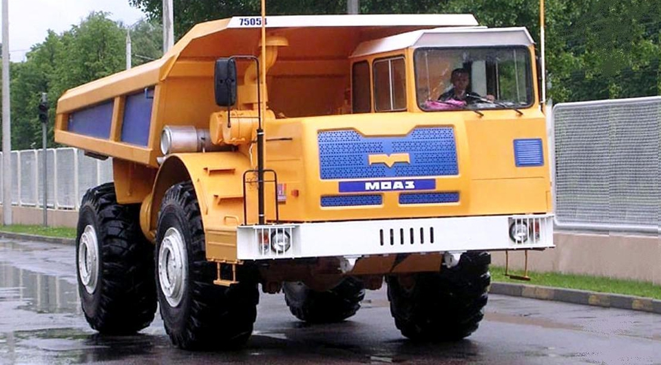 Самосвал МОАЗ оснастили дизелем Scania