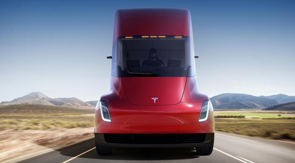 Tesla Semi: Илон Маск представил электрогрузовик