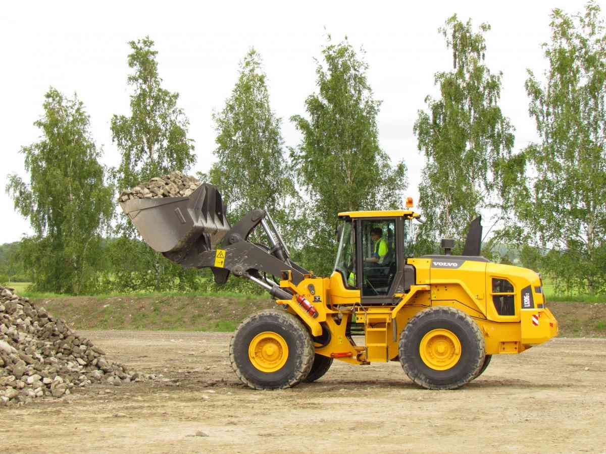VOLVO DAYS 2015 Volvo CE Volvo Construction Equipment погрузчик экскаватор Z-бар