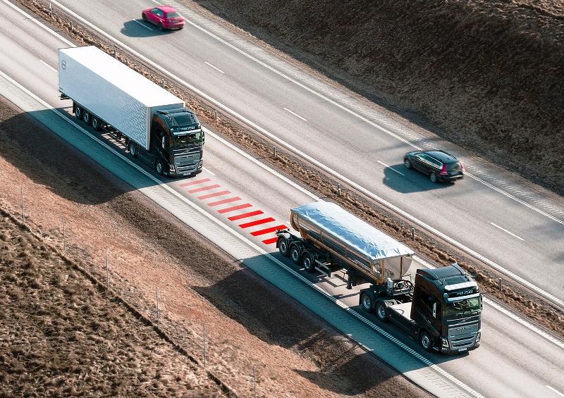 Distance Alert, Volvo Trucks, автоматическое торможение, Вольво тракс, грузовик Вольво, круиз-контроль, поддержание дистации, система экстренного торможения