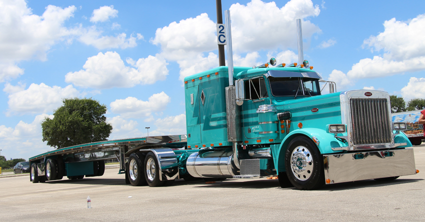 Shell Rotella SuperRigs Peterbilt 359