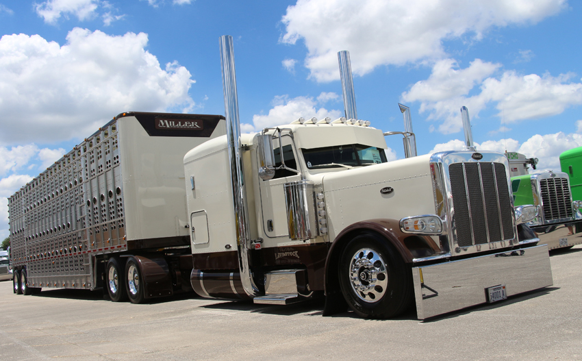 Peterbilt 389 Shell Rotella SuperRigs