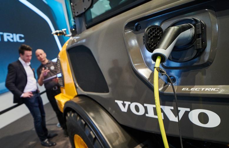 BAUMA 2019, Volvo CE, Volvo ECR25, Volvo L25, Баума, Вольво констракшн, электрический погрузчик, электрический экскаватор