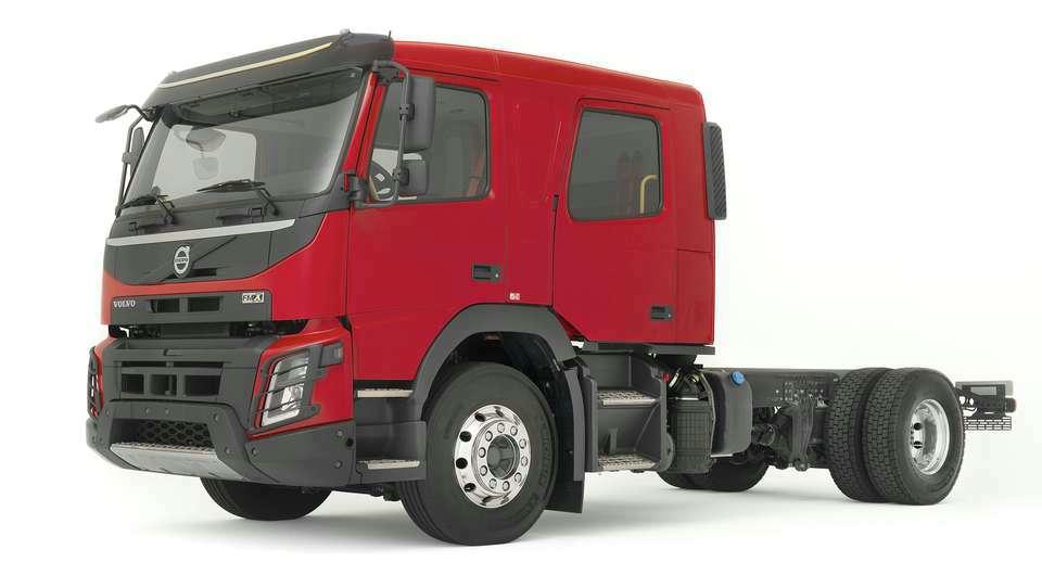 Volvo. Две модели с двухрядной кабиной