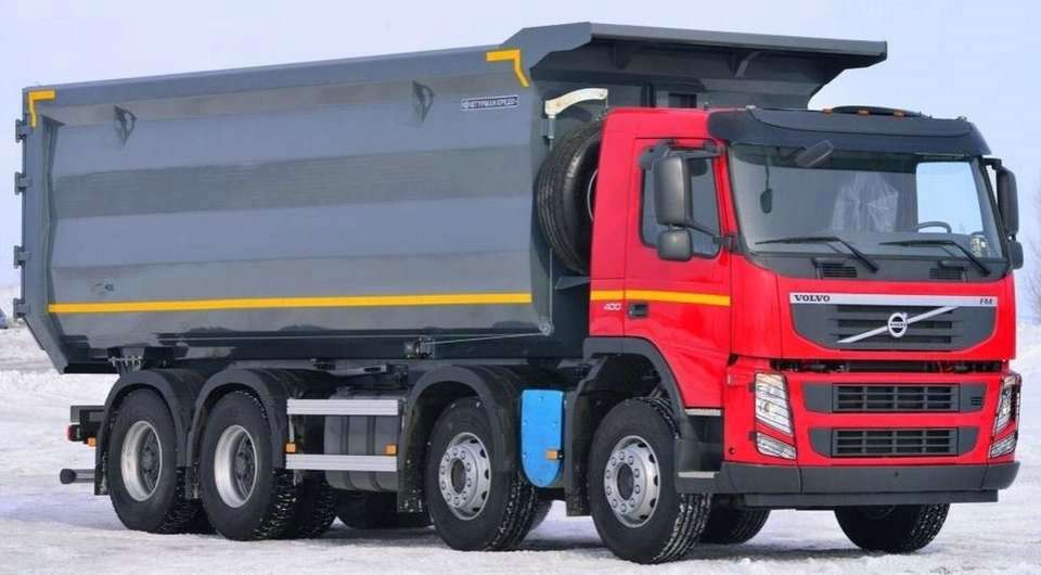 Ломовоз на четырехосном Volvo