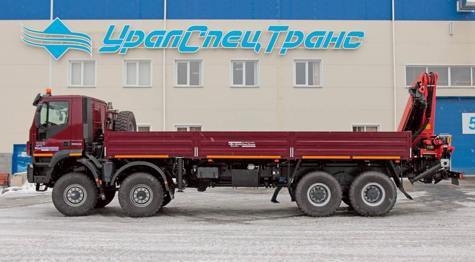 «УралСпецТранс»: Iveco Trakker плюс Palfinger