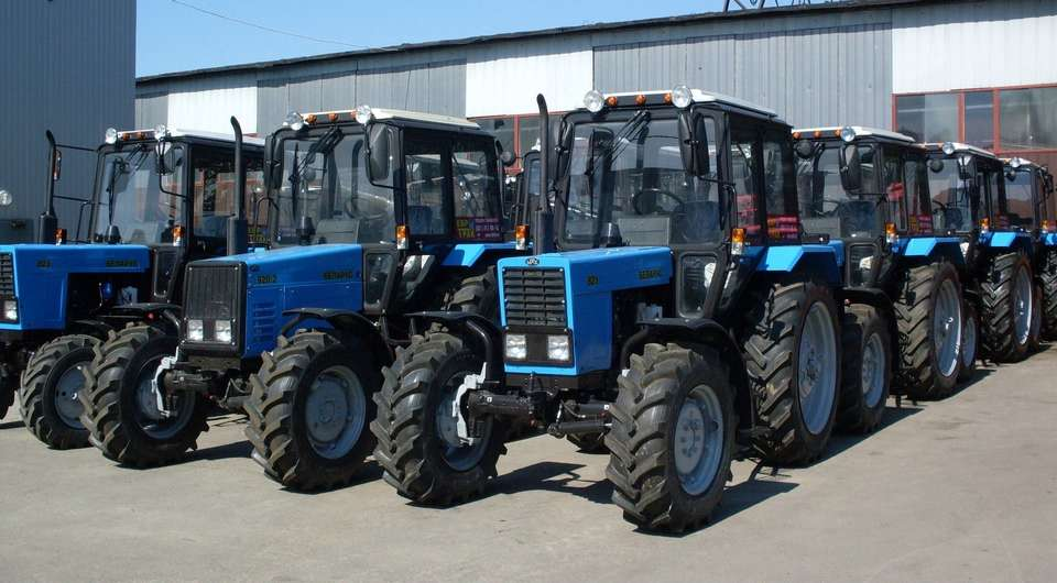 ЕЛАЗ готовится к выпуску газовых тракторов