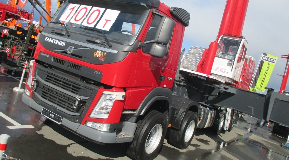 Volvo: 5-осное шасси для 100-тонного «Галичанина»