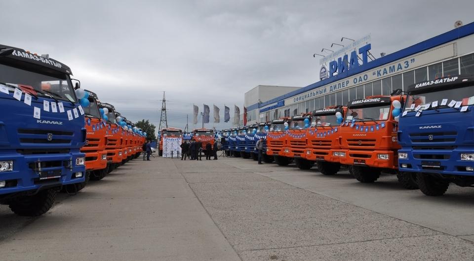КАМАЗ и РИАТ: тягачи для «СтройТрансКом»