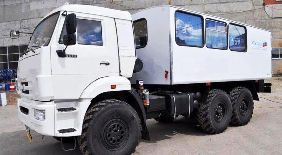 Уральский Завод Спецтехники: свой вахтовый автобус