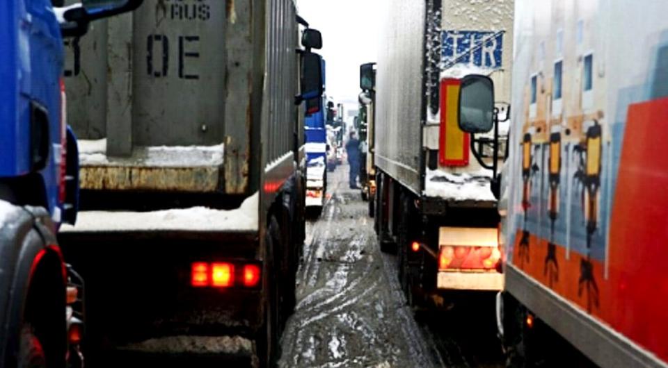 Россия и Украина: перевозки возобновятся 25 февраля