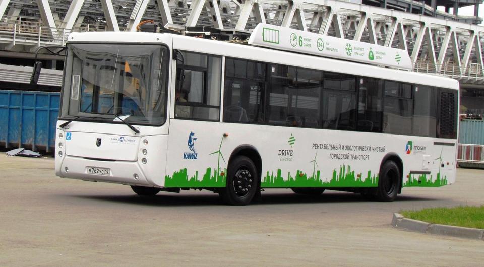 Электробус КАМАЗ-6282 вышел на маршрут в Сколково