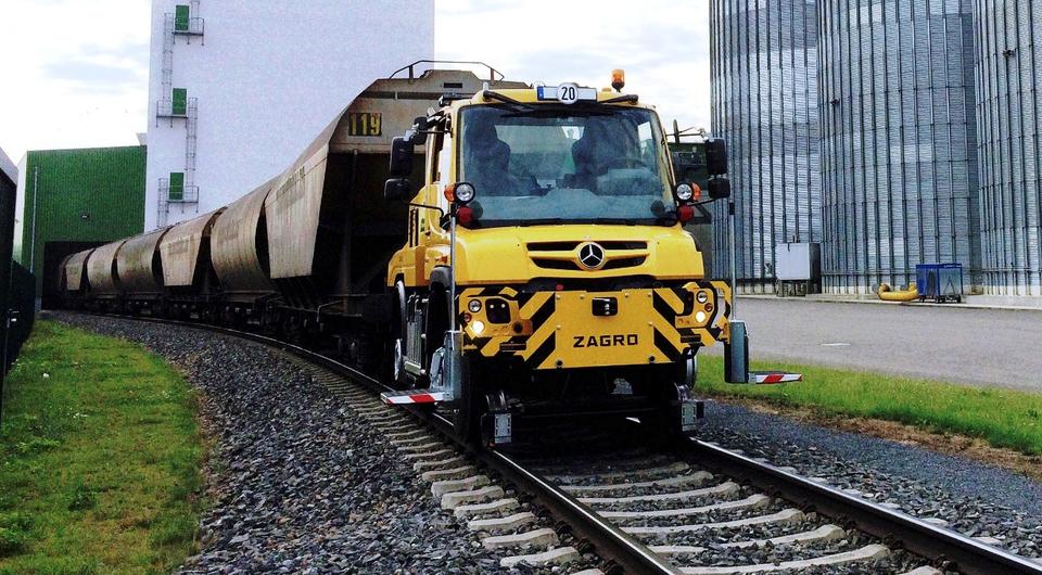 Маневровый Unimog повезет состав в 1000 тонн