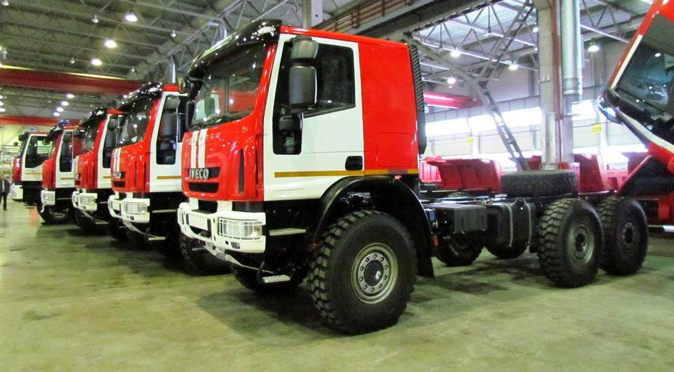 Iveco Eurocargo 6х6 примеряют форму пожарных