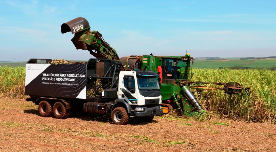 Роботизированные Volvo отправляются за урожаем