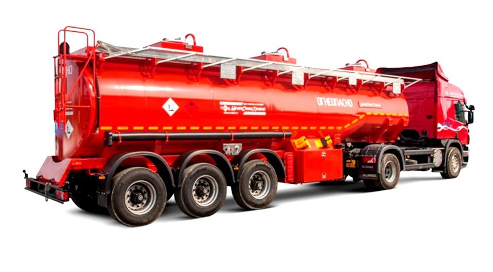 «УралСпецТранс»: новая 29-кубовая топливная цистерна