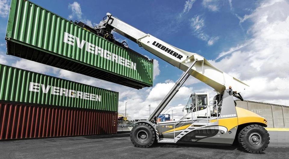 Liebherr LRS 545 начал работу в российском порту