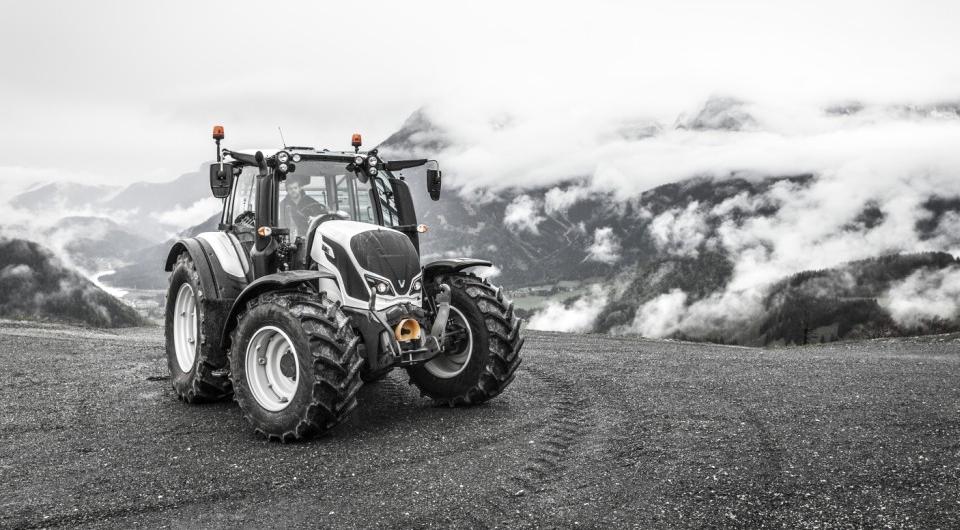 Valtra заправит тракторы дизтопливом из возобновляемого сырья