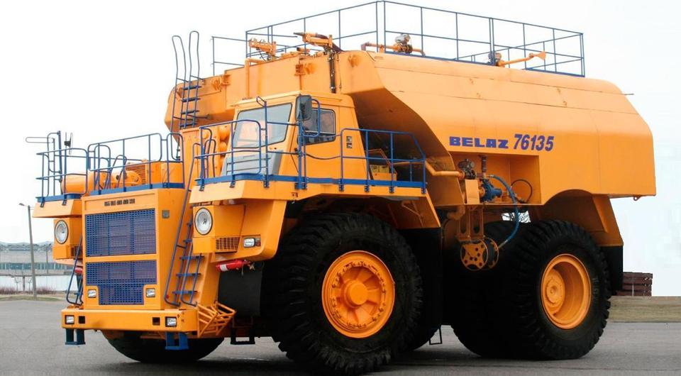 Поливооросительный БЕЛАЗ-76135 впервые отгрузили в Казахстан