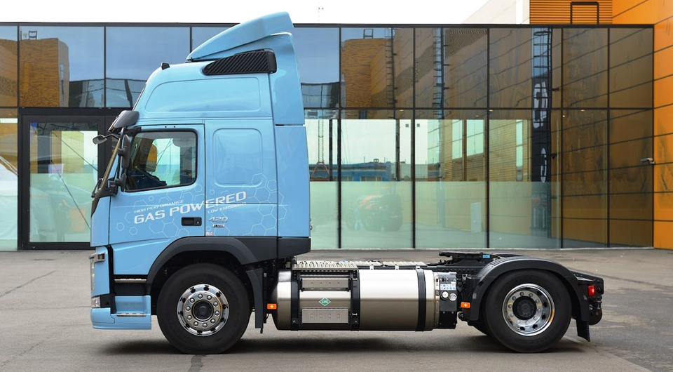 Volvo Trucks: газовые грузовики для «Совавто – С.Петербург»