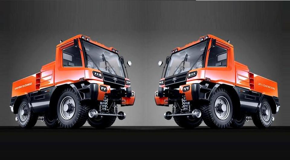 Локомобиль ТМВ-2 выходит на пути общего пользования
