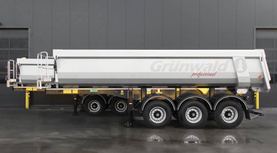Grunwald начал экспорт полуприцепов в Латвию
