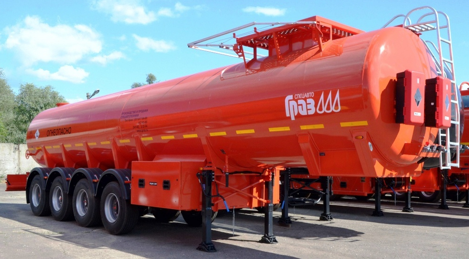 ГРАЗ: новые стальные 38-кубовые нефтевозы
