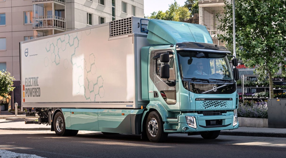 Volvo Trucks: старт европейских продаж электротраков