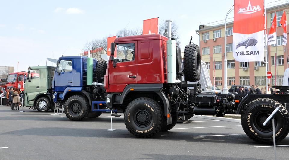 МАЗ поставит во Вьетнам более сотни грузовиков