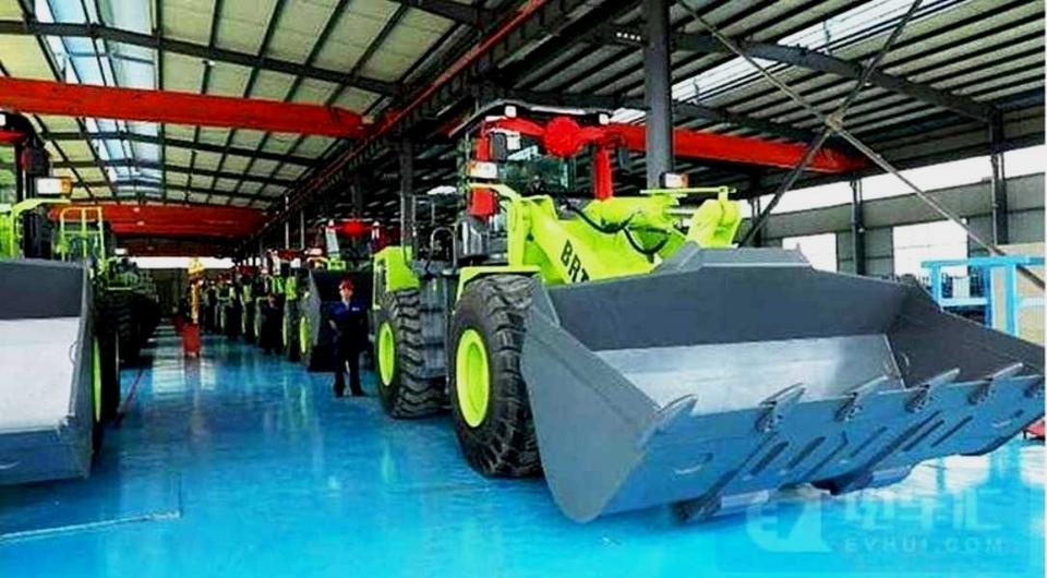 Китай начал выпуск фронтальных электропогрузчиков