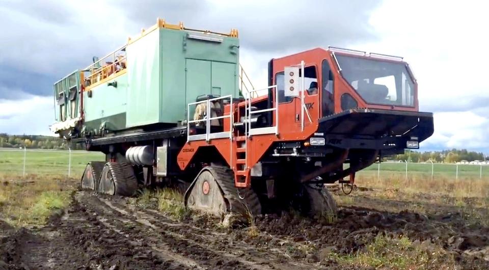 Канадский «Казак»: 60 тонн по бездорожью!
