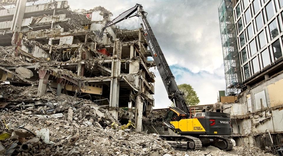 Volvo EC750E HR. Может копать, а может – ломать